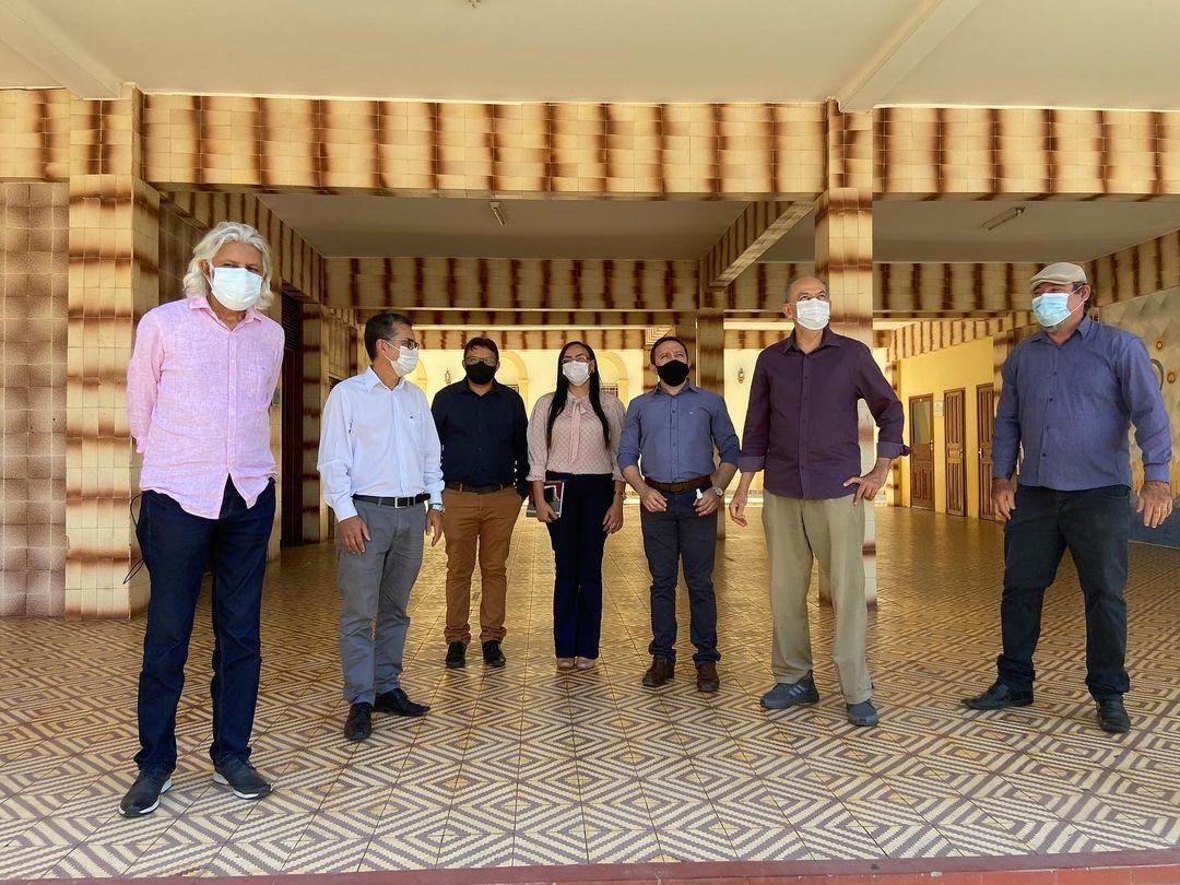 Reitor da URCA e Secretário da Secitece visitam estruturas em reforma na Instituição